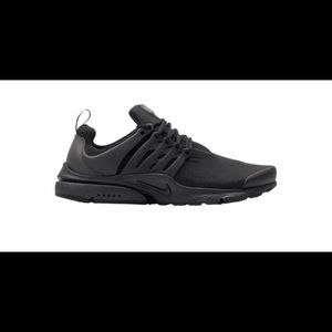Like New - Nike Air Presto Essential Triple Black